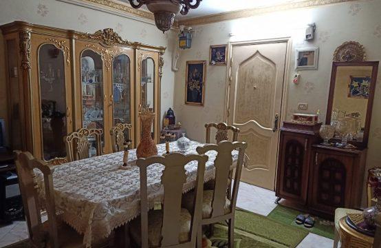 شقة للبيع في المعادي تقاطع احمد زكي مع ش77